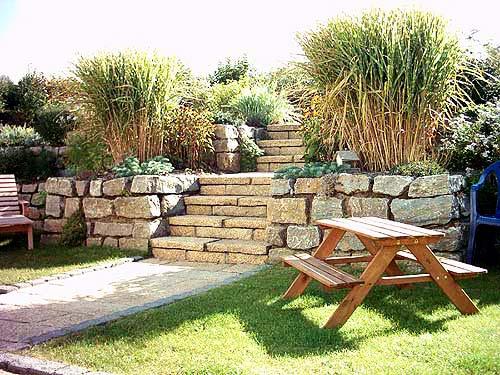 natursteinmauer bauen garten allgemein bauen und. Black Bedroom Furniture Sets. Home Design Ideas