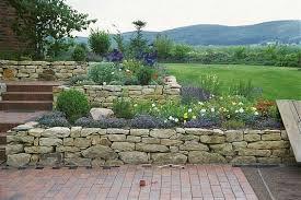 natursteinmauer bauen garten allgemein bauen und wohnen in der schweiz. Black Bedroom Furniture Sets. Home Design Ideas