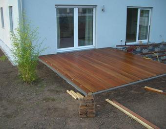 was ist beim bau einer terrasse zu beachten garten. Black Bedroom Furniture Sets. Home Design Ideas