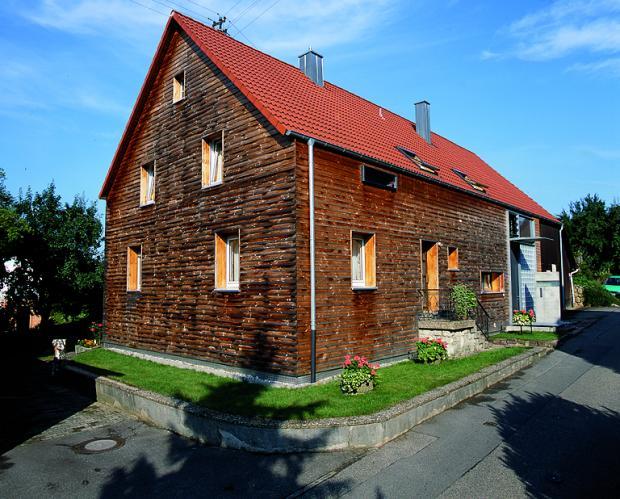 Holzfassade.jpg