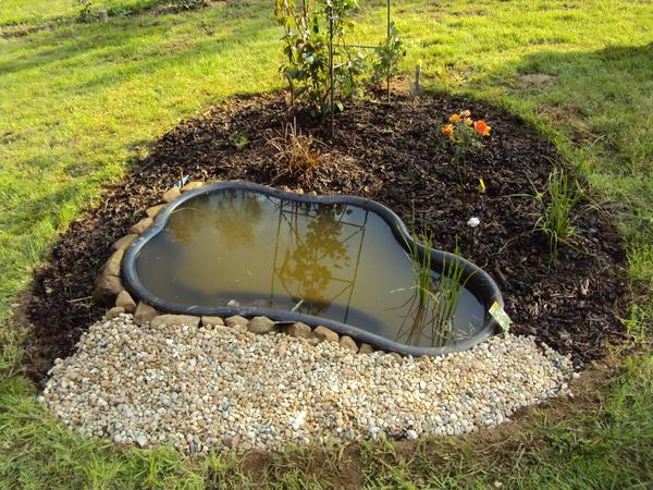 Top kleinen Gartenteich anlegen - Wasser im Garten - Bauen und Wohnen #UZ_44
