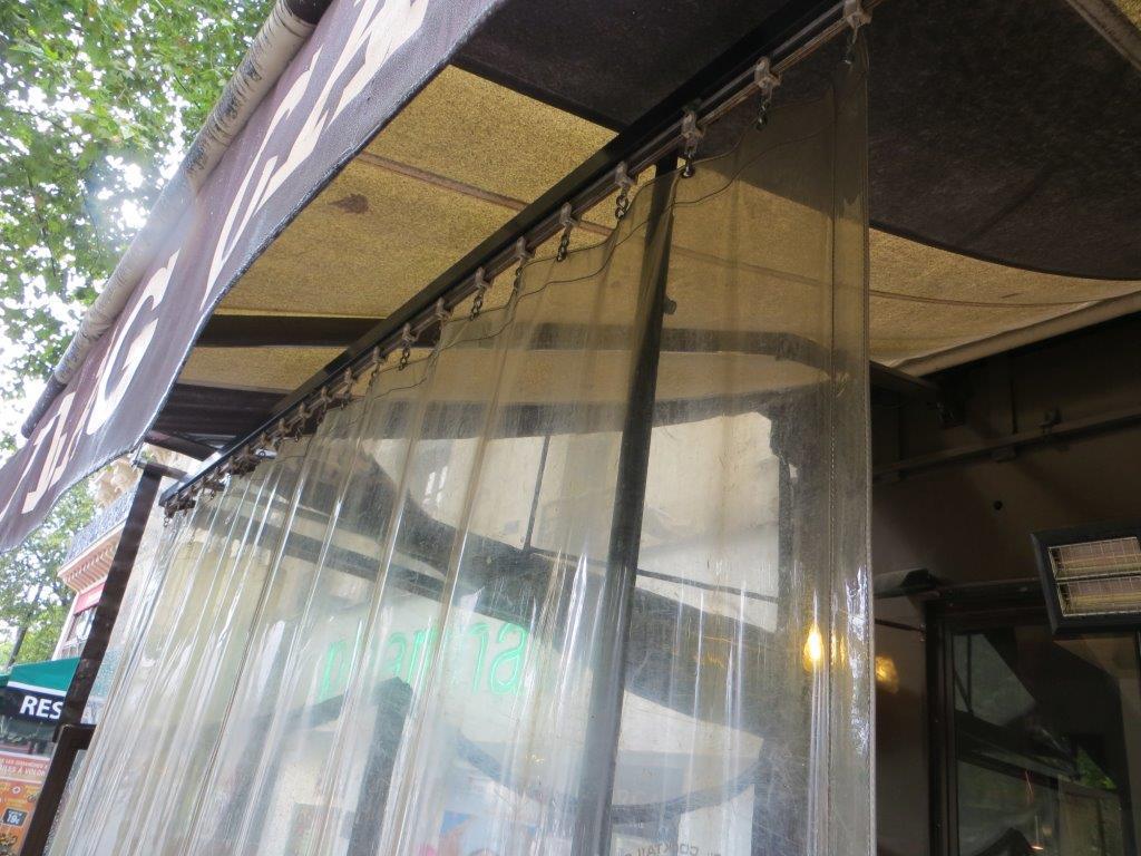 Plexiglas Windschutz Fur Balkon Auch Ohne Bohren Moglich