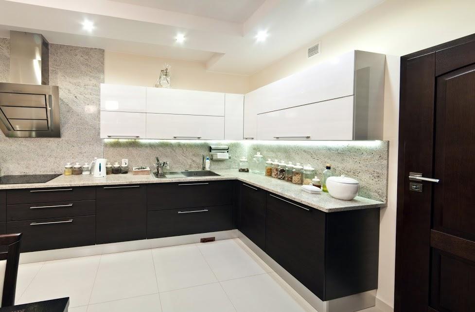 Moderne Küche In Schwarz-Weiss | Bauen Und Wohnen In Der Schweiz